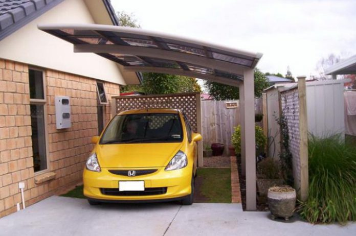 Garasi sendiri dapat diartikan sebagai tempat untuk menyimpan mobil dalam sebuah rumah. Untuk memaksimalkan fungsi ruangan
