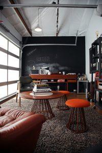 desain-ruang-kerja-pribadi-di-rumah-yang-nyaman-dan-unik-34