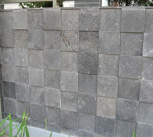 dinding-batu-alam-buatan