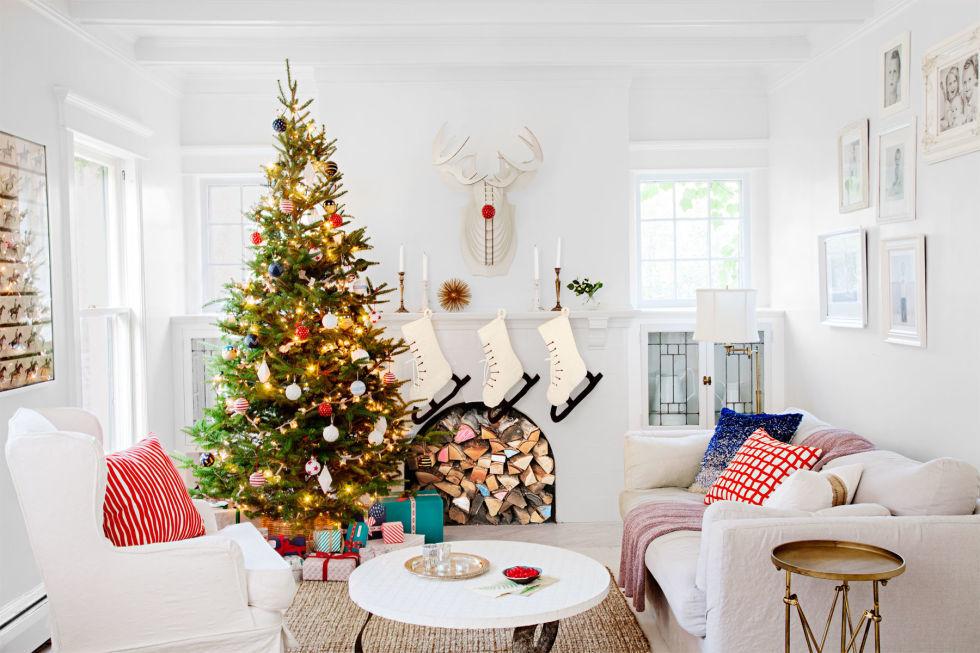 gallery-1447439605-merry-white-living-room-1215