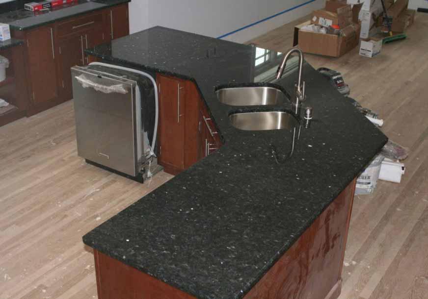 granit-hitam-untuk-interior-ruang-dapur