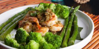 Keluarkan racun dalam tubuh secara instan dengan 10 makanan ini