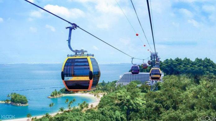 Menikmati Keindahan Singapura dari Atas Langit