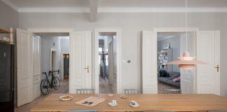 Dapur di Apartemen Ini Bisa Diubah Jadi Ruang Kerja