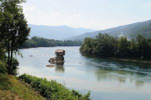 drina-river-house-32