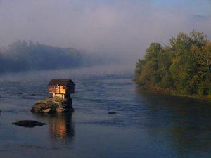 drina-river-house-62