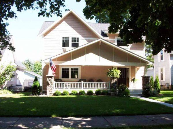 desain-rumah-gaya-amerika-simpel-600x450