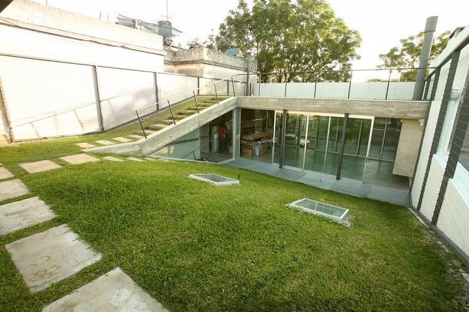 5 Rumah Unik Ini Gunakan Atap Hidup, KEREN!