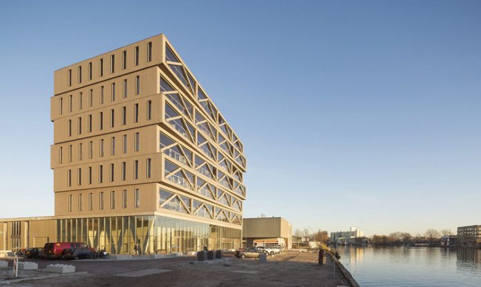 Keren! Ini Dia Gedung Kayu Tertinggi Di Belanda
