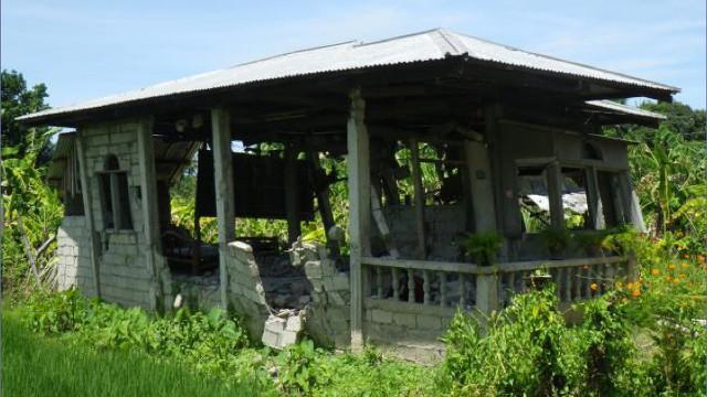 20140219-concrete-hollow-block-house