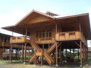 8 rumah adat tahan gempa di indonesia