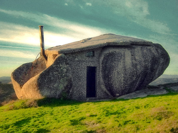 Rumah Batu / Stone House, Portugal