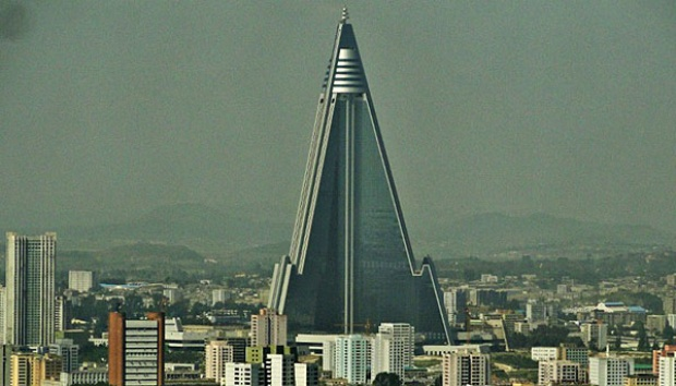 Ryugyong Hotel, Pyongyang, Korea Utara