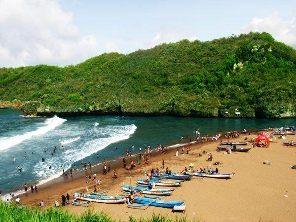 Pantai Baron di Yogyakarta