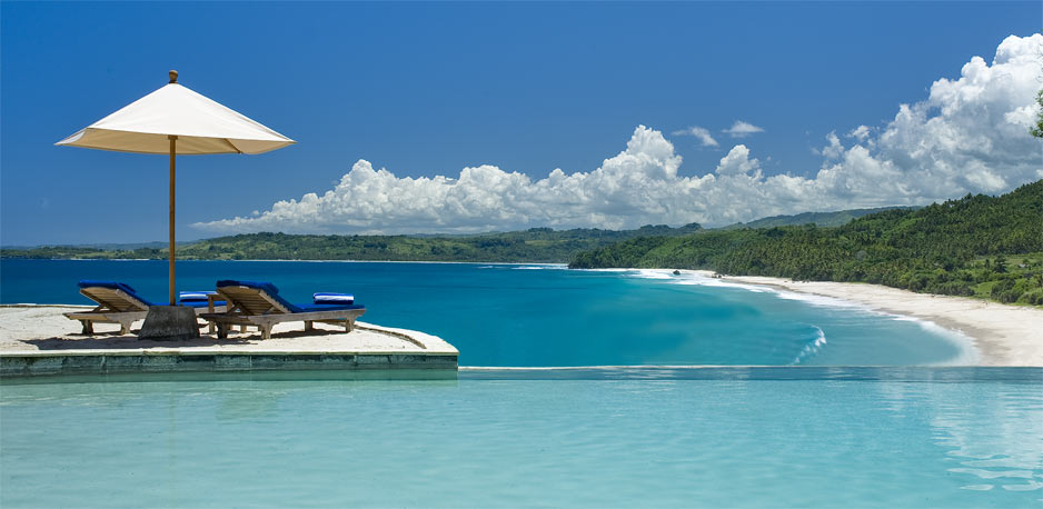 Pantai Nihiwatu di Sumba Barat