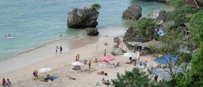 Pantai Padang-Padang di Bali