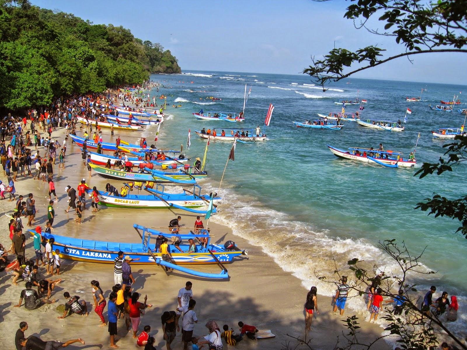 Pantai Pangandaran di Jawa Barat