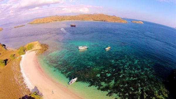 Pantai Tangsi di Lombok