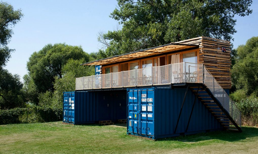 artikul-shipping-container-hotel3-1020x610