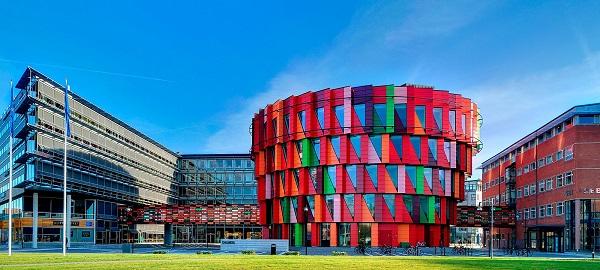 Inilah 6 Bangunan Dengan Warna Paling Menarik di Dunia