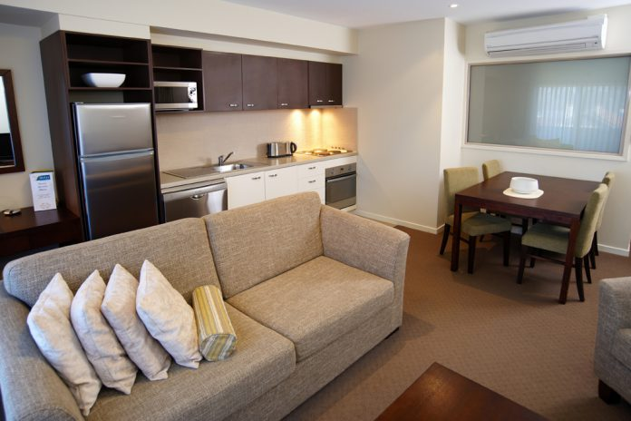 tips untuk membuat ruangan apartemen terkesan lebih luas 17305 | manificent lovely 1 bedroom apartments modern apartment 1 bedroom 2 furry rug design olpos design inside 696x464