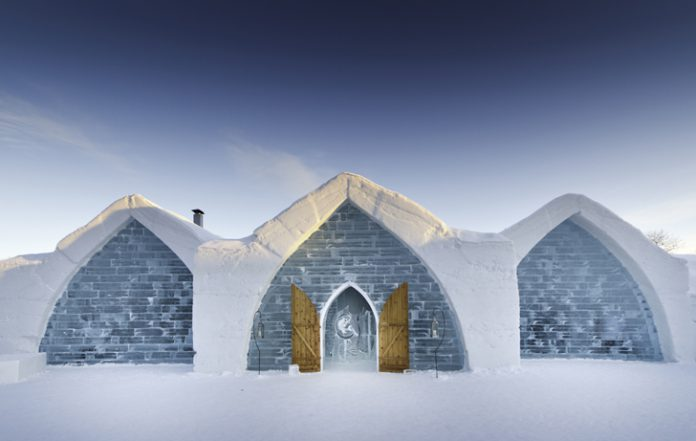 9 bangunan yang terbuat dari es dan salju
