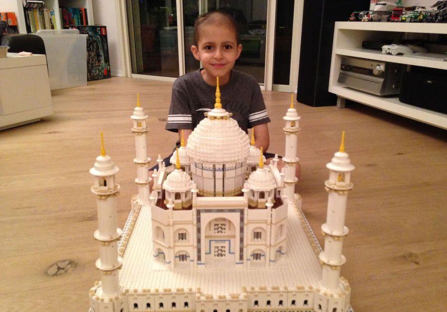 Wow! Ini nih Bangunan Lego Tertinggi di Dunia!