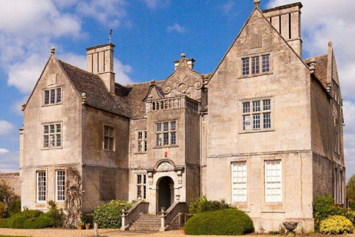 Cotterstock Hall, Rumah Tempat Syuting Film Woman in Black Dijual
