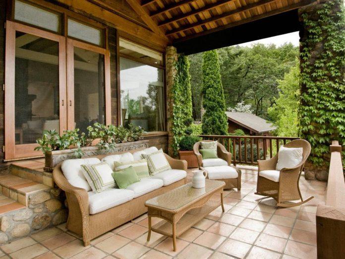 4 Inspirasi Desain Teras Rumah Yang Nyaman Untuk Bersantai