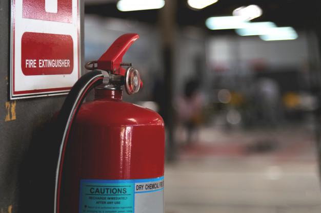 Wajib Ada! Begini Tips Memilih Alat Pemadam Api Ringan Untuk Rumah