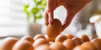 Peralatan Dapur Bersih Hingga Kinclong Dengan Kulit Telur, Emang Bisa?