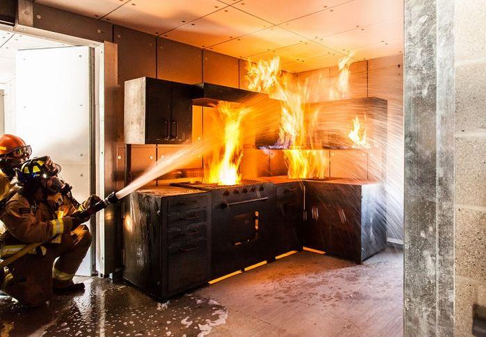 Menurut Feng Shui, Alasan Mengapa Dapur Dengan Banyak Pintu Tidak Baik
