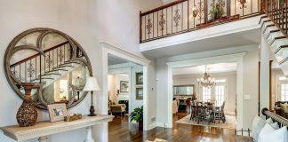 Sempurnakan Dekorasi Lebaran dengan 6 Inspirasi Foyer untuk Rumahmu