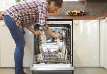 5 Barang yang Sebaiknya Tidak Dimasukkan Ke Mesin Cuci Piring